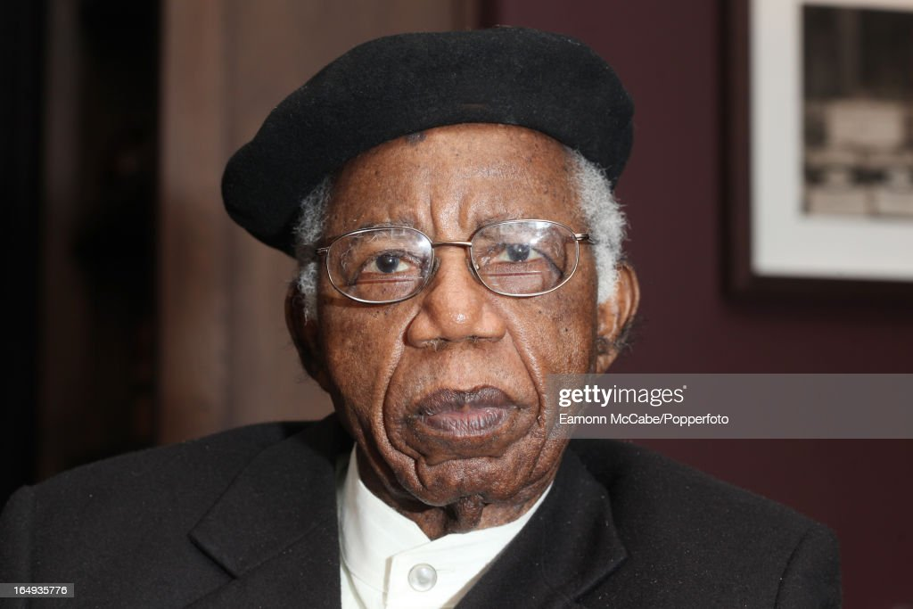 Chinua Achebe : News Photo
