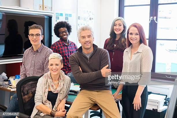Porträt von zuversichtlich business-team