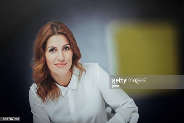 Porträt von zuversichtlich Geschäftsfrau