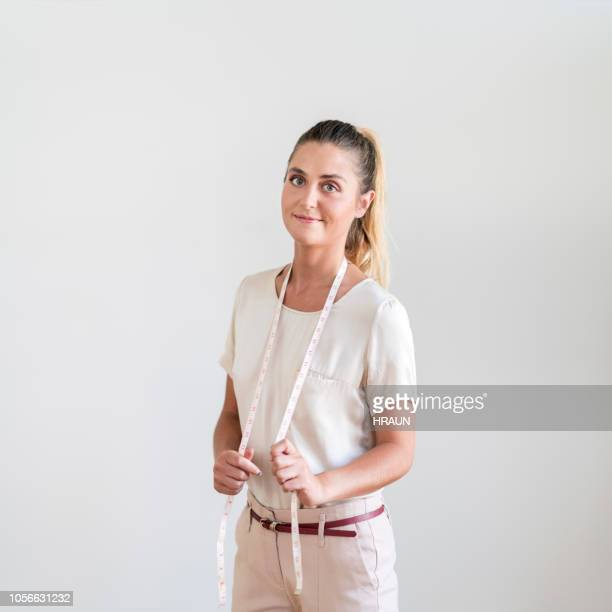 Porträtt av säker kvinnlig design professional