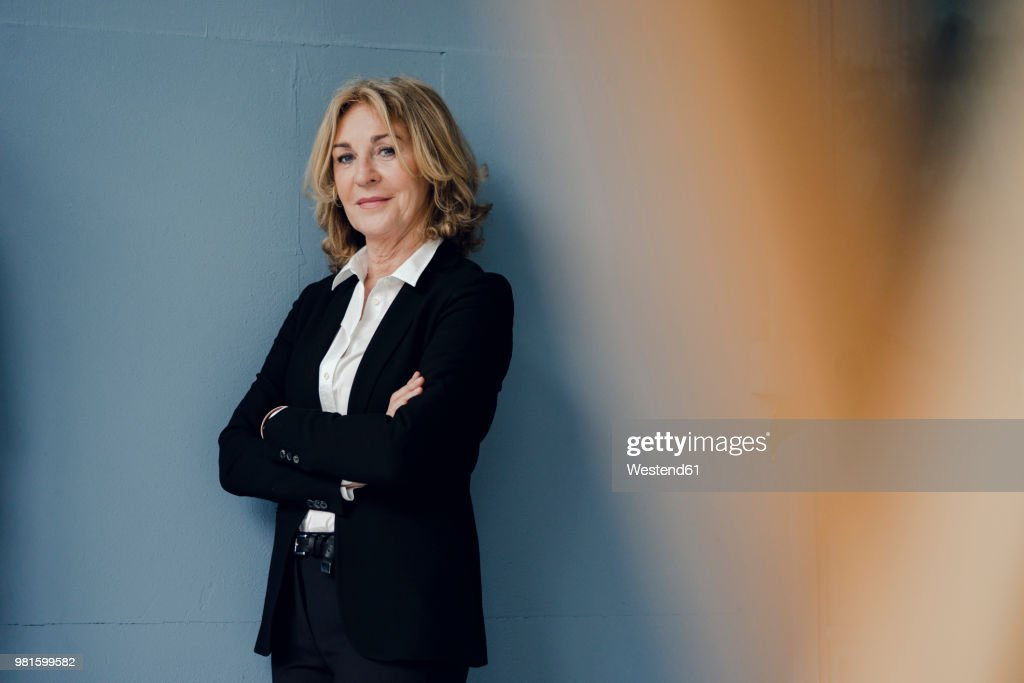 Portrait of confident senior businesswoman : Foto de stock