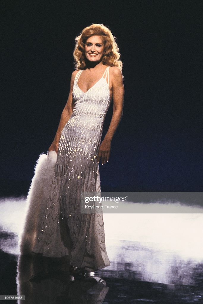 Portrait Of Dalida On Stage In The Seventies : News Photo