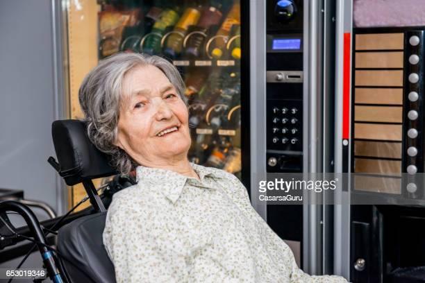 Porträt von behinderte ältere Frau