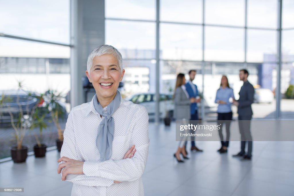 Porträt von eleganten senior Geschäftsfrau : Stock-Foto