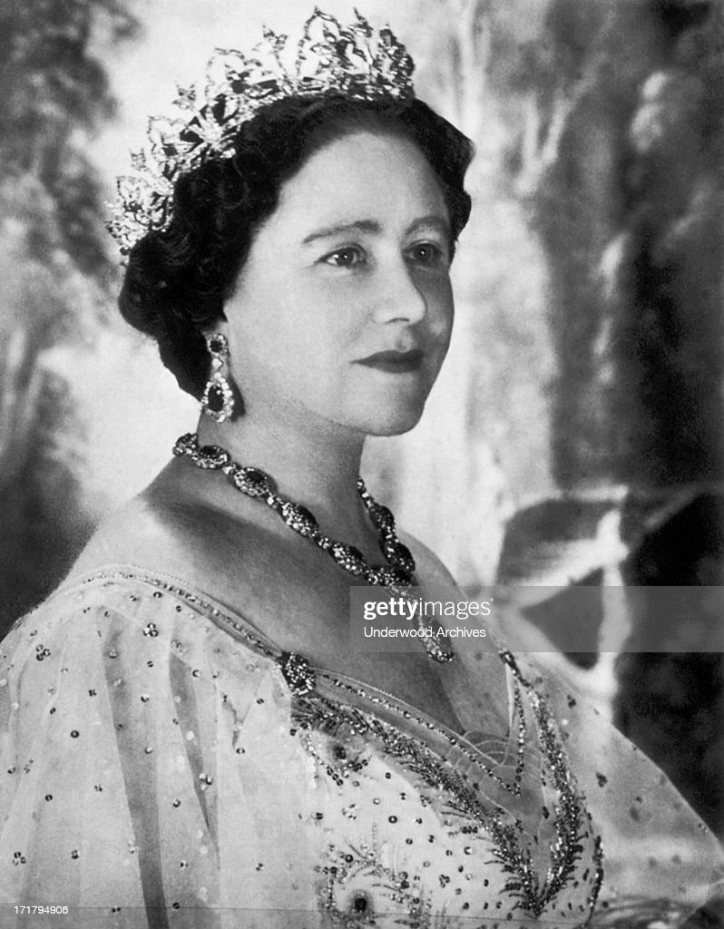 Portrait Of The Queen Mother : News Photo