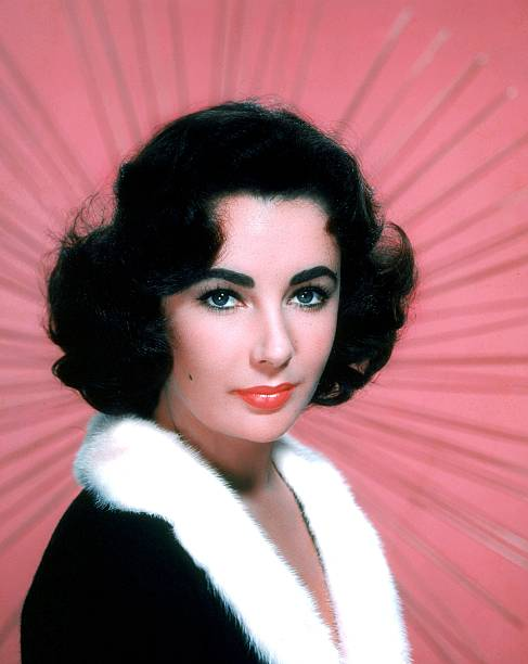 portrait-of-elizabeth-taylor-in-the-1950
