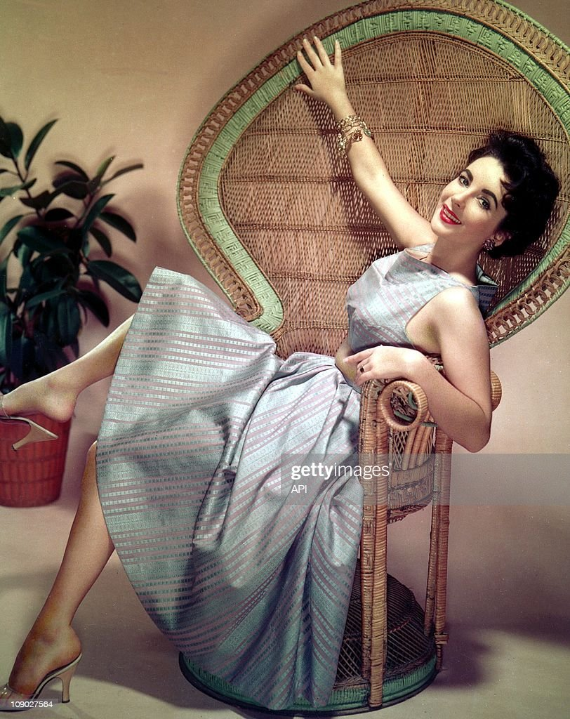 Portrait of Elizabeth Taylor in the 1950's : News Photo