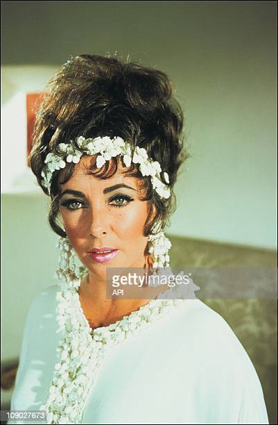 A portrait of Elizabeth Taylor on the film set of 'Boom' in 1967