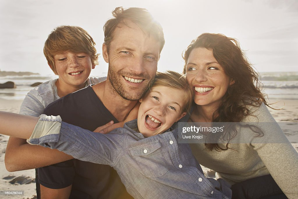 Portrait of family outdoors, close up : Stock-Foto