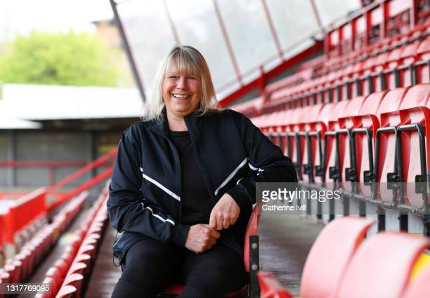 portrait of female footballer - menopossibilities stock pictures, royalty-free photos & images