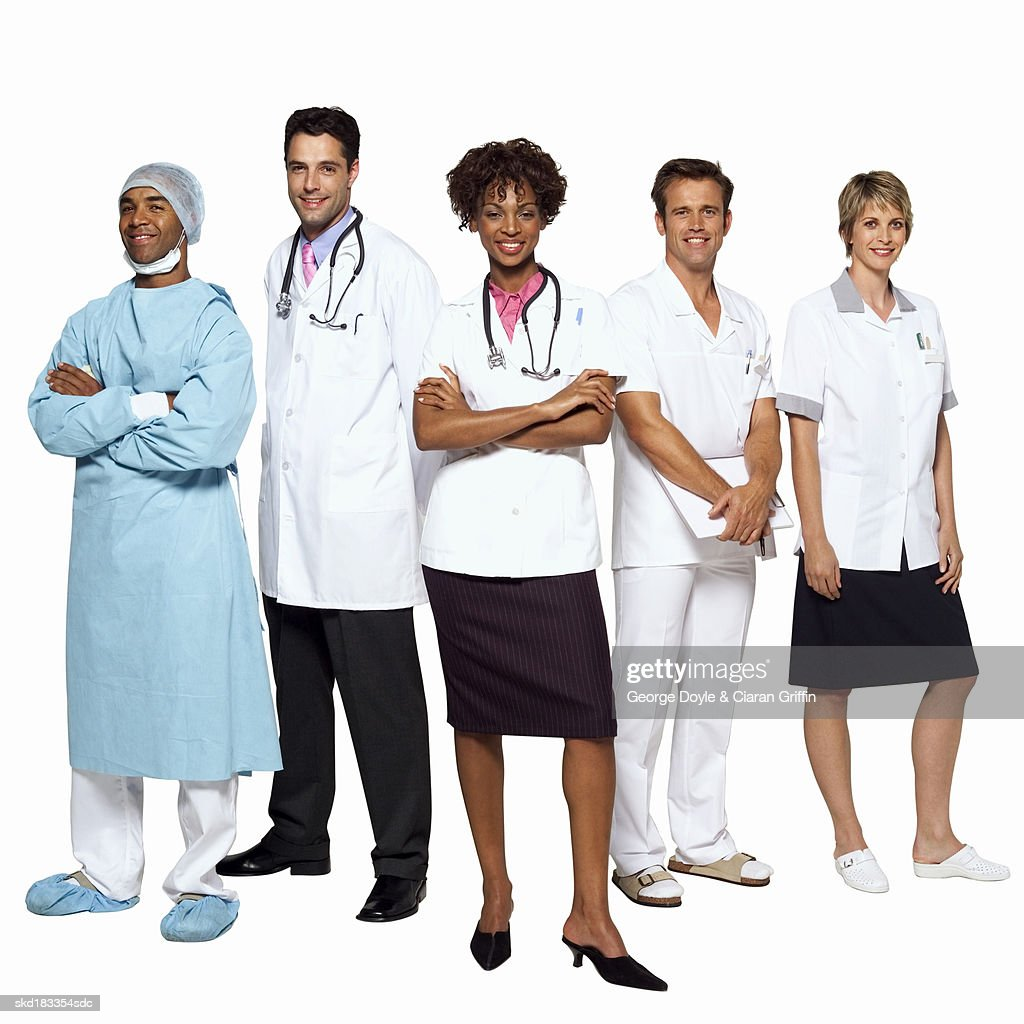 portrait of five medical professionals ストックフォト getty images