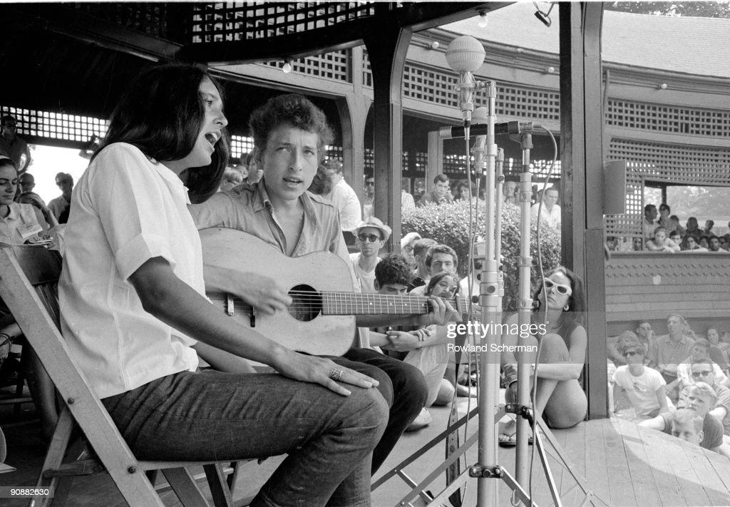 Joan And Bob At Newport : News Photo