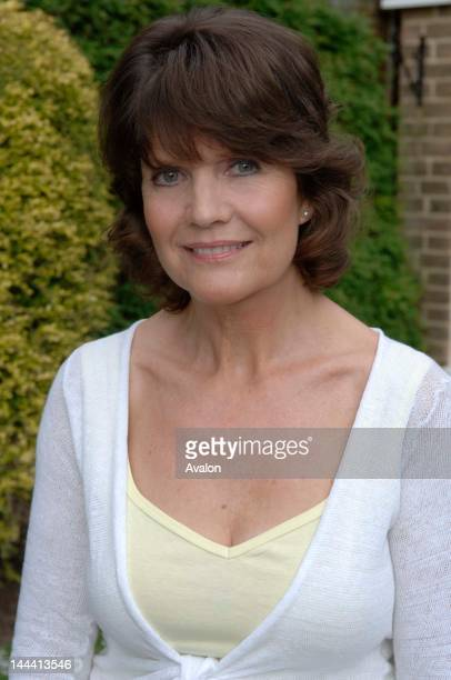 Sally Geeson naked (91 images) Paparazzi, Snapchat, bra