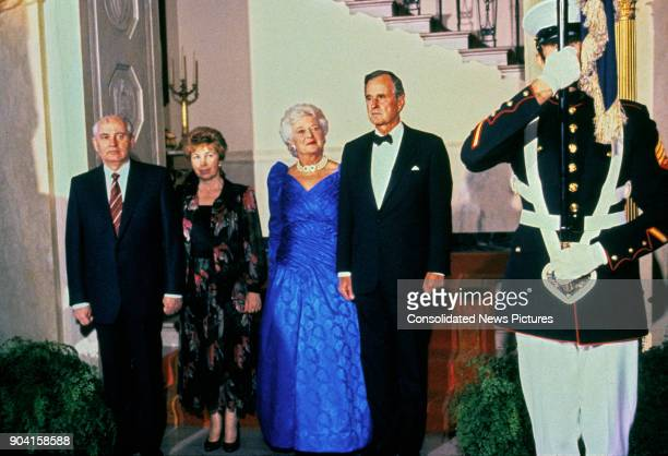 Portrait of from left Soviet President Mikhail Gorbachev and his wife Raisa Gorbacheva US First Lady Barbara Bush and her husband US President George...