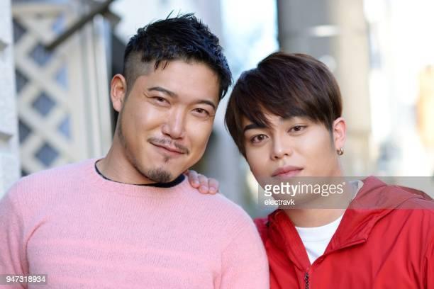 同性愛者のカップルの肖像画 - ゲイ ストックフォトと画像