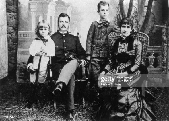 family macarthur pictures getty images