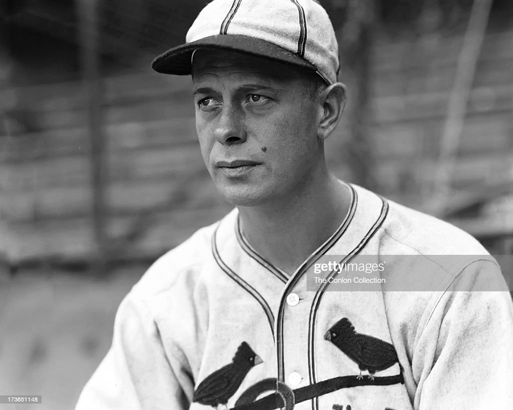 fc6d5f52ba A portrait of George E. Walberg of the Boston Red Sox in 1936. News ...