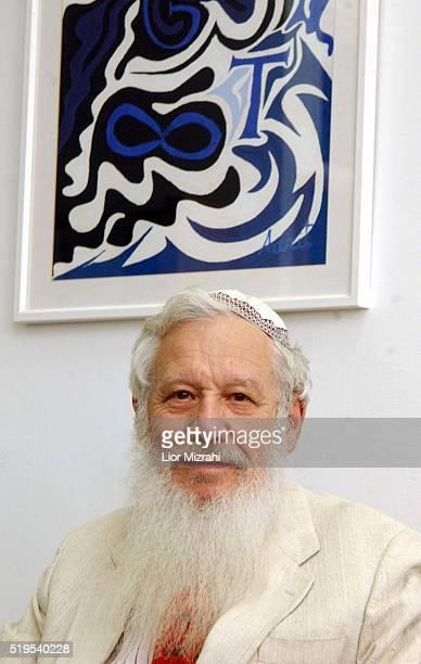 Portrait of Germanborn IsraeliAmerican mathematician Robert J Aumann in Jerusalem Israel July 04 2002 Aumann won the Nobel Prize for Economics in 2008