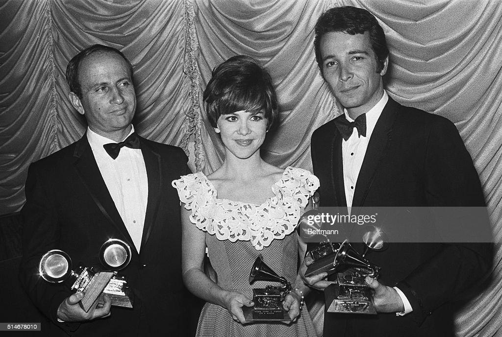 Grammy Award Winners With Trophies : News Photo