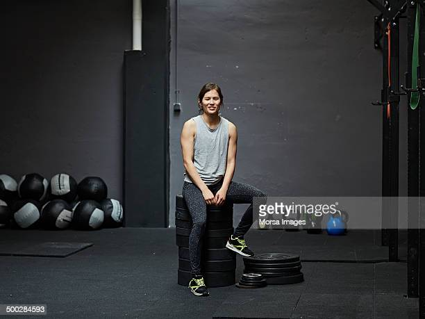 portrait of gymer smiling at camera - sportswear stock pictures, royalty-free photos & images