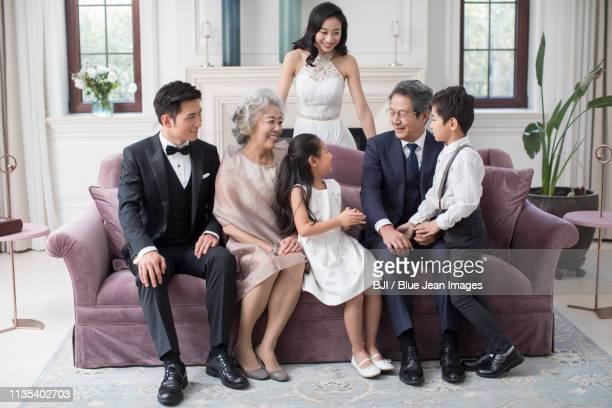 portrait of happy noble family - 一張羅 ストックフォトと画像