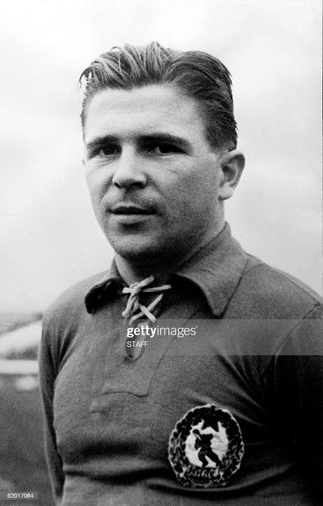 Portrait of Hungarian soccer champion Ferenc Puska : News Photo