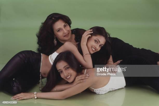 2000 Portrait of Indian film actress Moon Moon Sen with daughters Riya Sen and Raima Sen