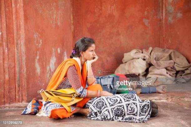 ジャマ・マスジド・デリーのインド人女性の肖像 - fotofojanini ストックフォトと画像