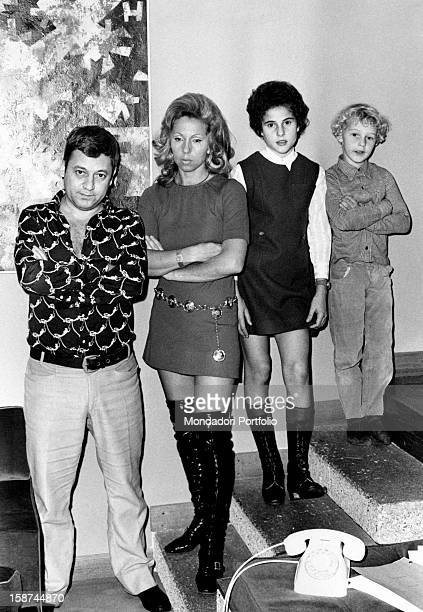 Portrait of Italian actor Paolo Villaggio with his wife Maura Albites and his children Valentina and Pierfrancesco Rome 1970s
