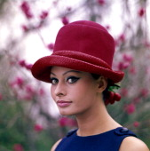 Portrait of italian actress sophia loren 1964 picture id141554560?s=170x170
