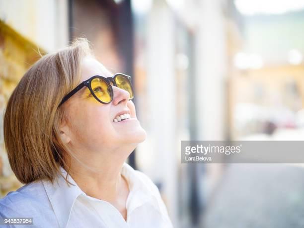 イタリア人女性 60 歳の肖像画。