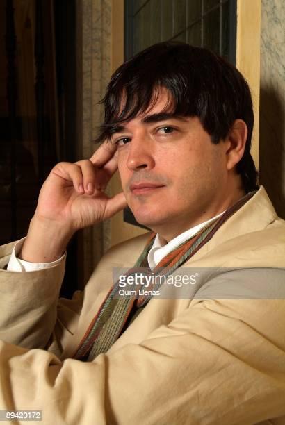 154 Jaime Bayly Photos And Premium High Res Pictures Getty Images Února 1965 lima) je peruánský spisovatel a televizní osobnost. 154 jaime bayly photos and premium high res pictures getty images