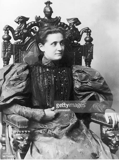 Portrait of Jane Addams circa 1890s