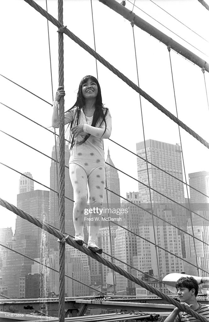 Kusama On The Brooklyn Bridge : News Photo