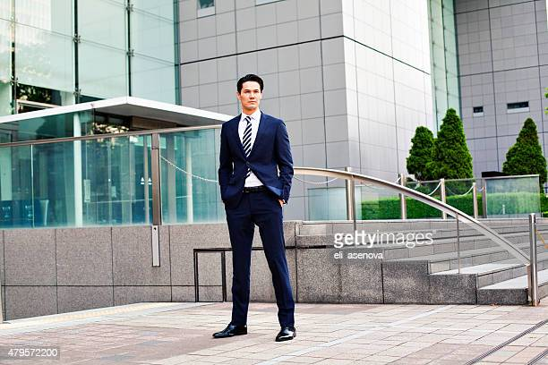 portrait of japanese businessman in tokyo - east asia stock pictures, royalty-free photos & images
