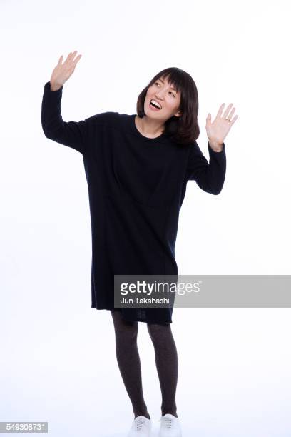 portrait of japanese woman - black dress with stockings foto e immagini stock