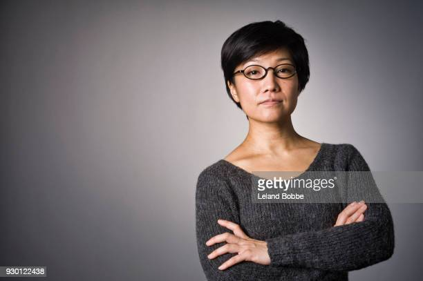 portrait of japanese woman with short hair - beautiful people stock pictures, royalty-free photos & images