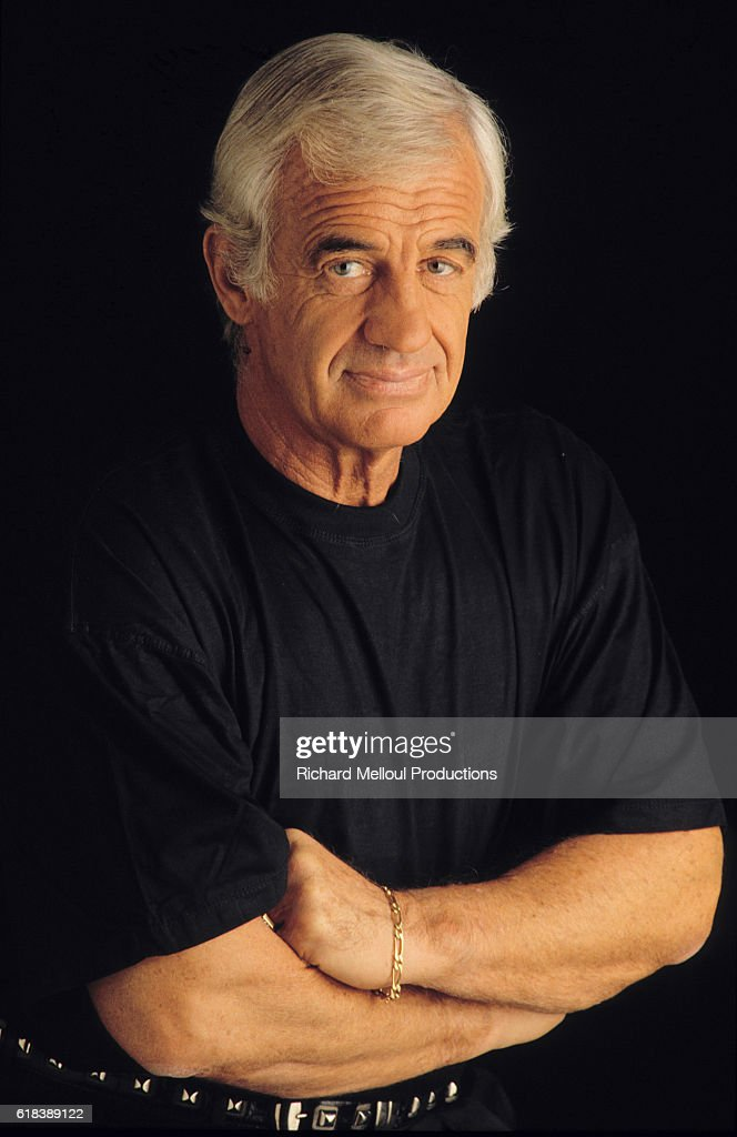 STUDIO PHOTO OF ACTOR JEAN-PAUL BELMONDO : Photo d'actualité