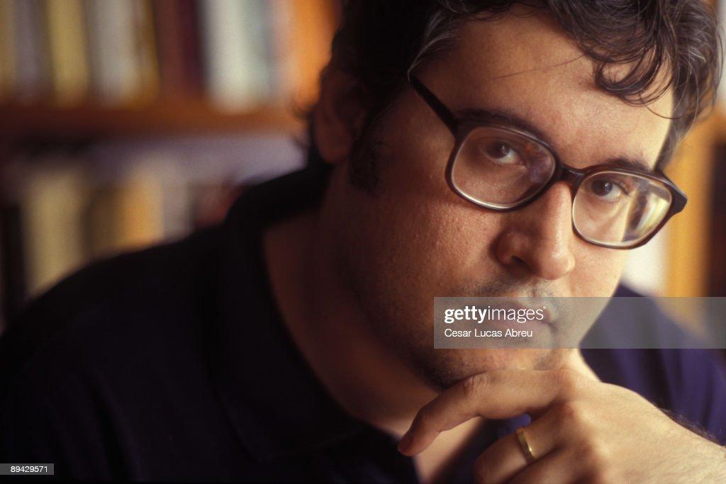 Portrait of Juan Manuel de Prada, writer. : Fotografía de noticias