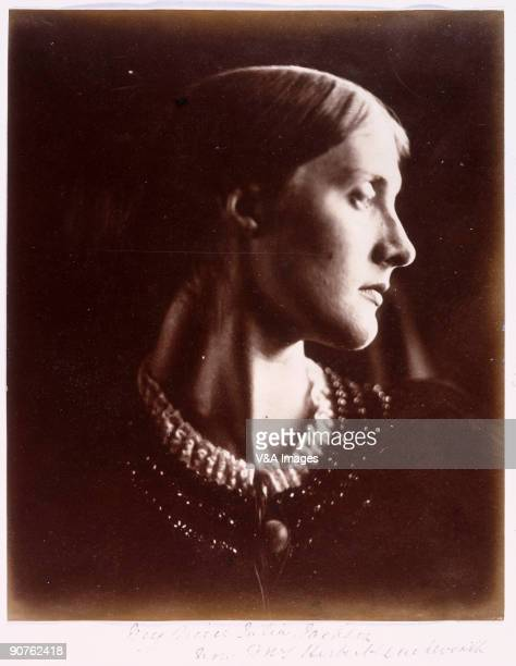 'UNITED KINGDOM FEBRUARY 03 Portrait of Julia Jackson mother of writer Virginia Woolf and artist Vanessa Bell by Julia Margaret Cameron Cameron's...