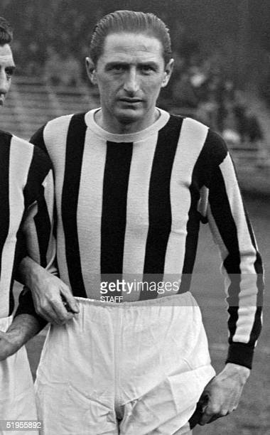 Portrait of Juventus Turin's forward Silvio Piola taken 12 December 1946 at the Parc des Princes in Paris before a friendly soccer match against...