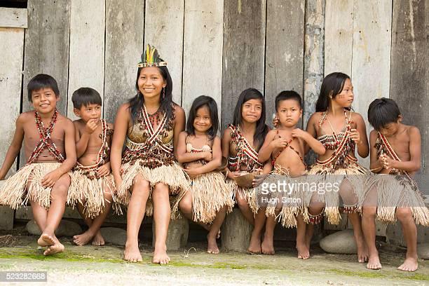 portrait of kids (6-7, 8-9) and teacher, amazon river basin, ecuador - hugh sitton - fotografias e filmes do acervo