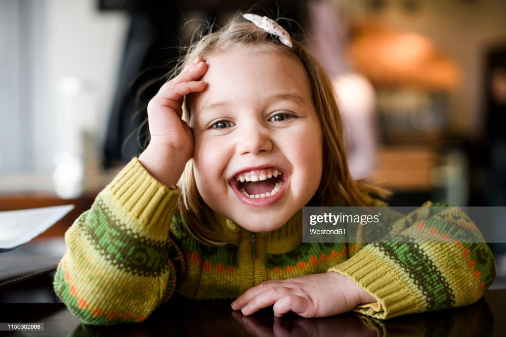 Portrait of laughing girl : Stock-Foto