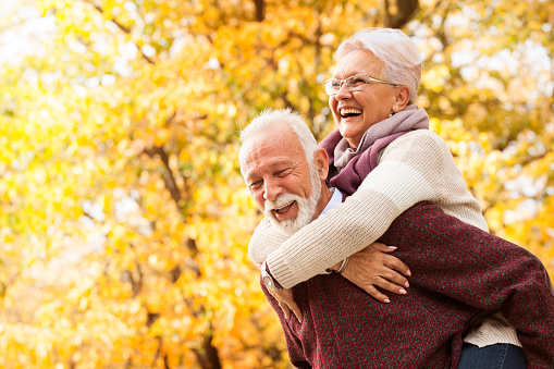 Portrait of laughing senior couple 1173389403
