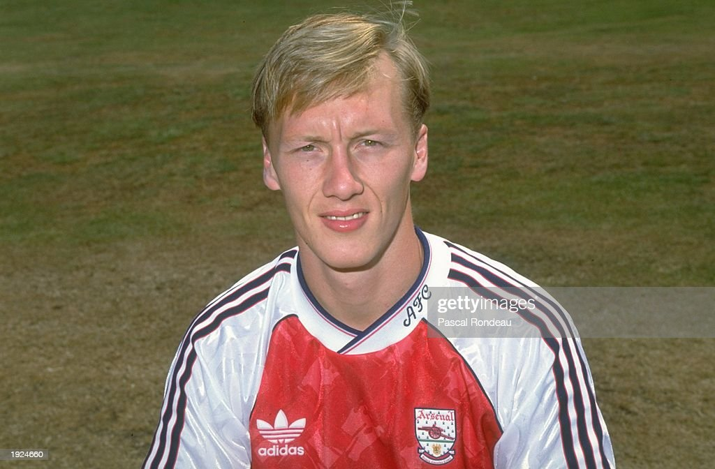 Lee Dixon of Arsenal : News Photo