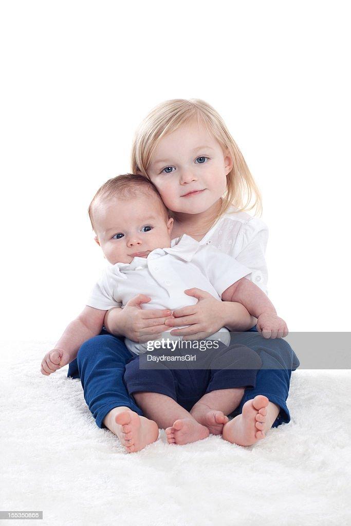 Retrato de niña y niño bebé : Foto de stock