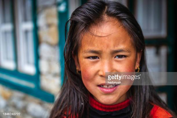 portrait of little girl,  mount everest national park, nepal - solu khumbu stock pictures, royalty-free photos & images