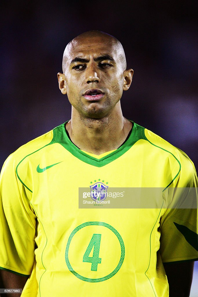 A portrait of Luisao of Brazil prior to the 2006 World Cup Qualifier South American Group match between Uruguay and Brazil at the Centenario Stadium on March 30, 2005 in Montevideo, Uruguay.