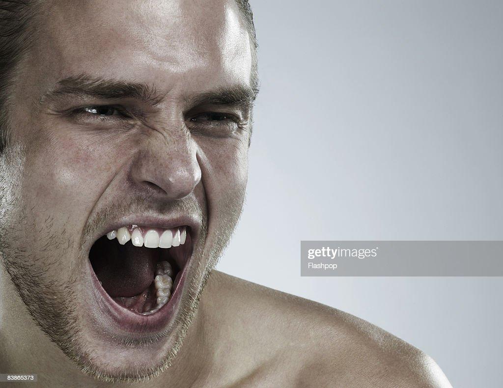 Portrait of man shouting : Stock-Foto