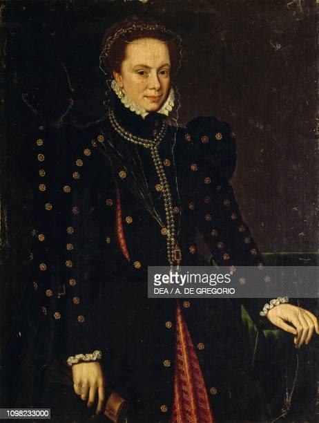 Portrait of Margaret of Austria, or Margaret of Parma by Antonio Moro, oil on canvas, 106x75.5 cm.